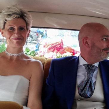 Mariage en DS Citroën au cœur du Mené: accompagnement réussi.
